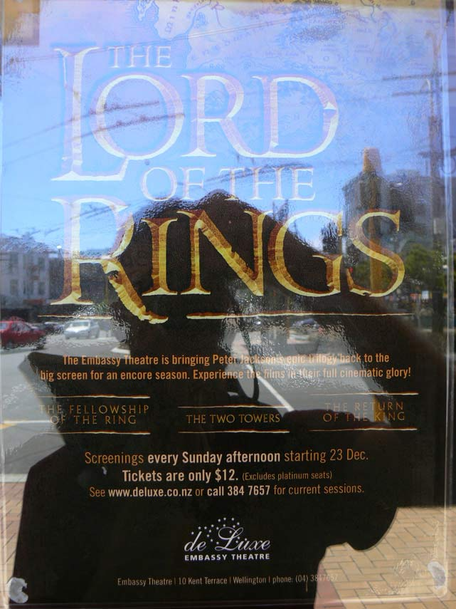 Affiche Lord of the Rings a l'Embassy Theatre